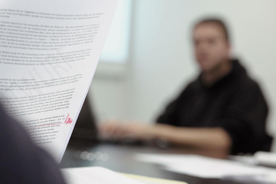 Symbolbild: Textentwurf und Berater